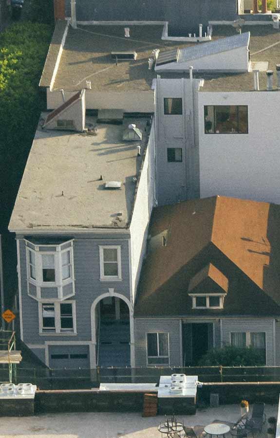 夏天高溫不斷,必須選擇適合的屋頂隔熱工法與隔熱材料,才能有效為室內降溫。