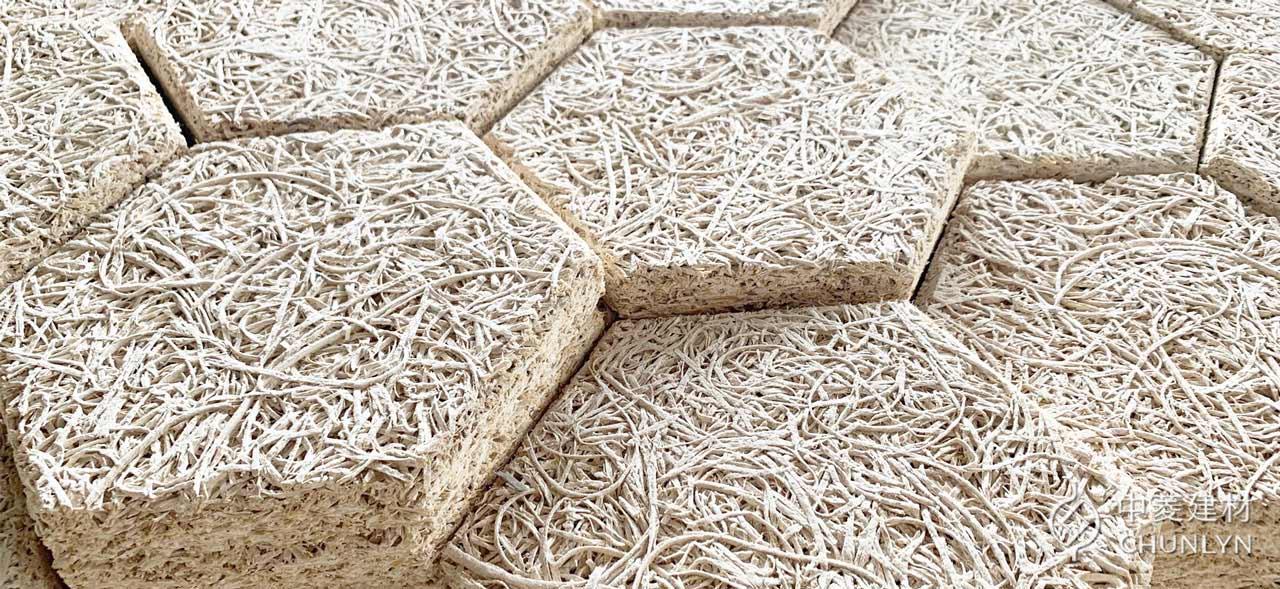 中菱生產的鑽泥板有多種規格尺寸,可以彈性運用在建築不同部位。圖為鑽泥板六角磚。